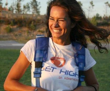 Cláudia Vieira caiu de pára-quedas