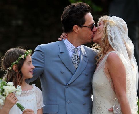 Kate Moss e Jamie Hince casam-se em Southrop Fotos: Lusa