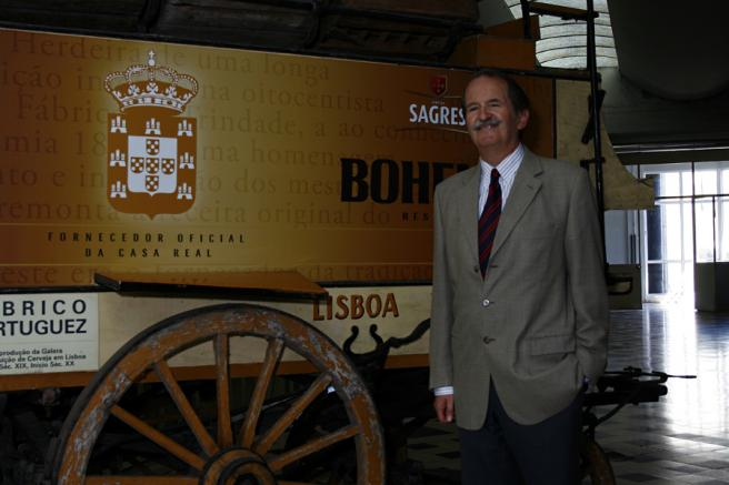 Duque de Bragança visita a produção e enchimento da Cerveja Sagres Bohemia