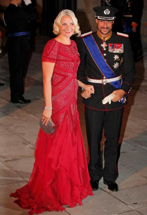 Príncipes Mette-Marit e Haakon da Noruega - Jantar de gala para comemorar casamento real do Grão Duque Guillaume do Luxemburgo e Stéphanie de Lannoy Foto: Reuters
