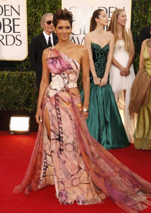 Halle Berry - 70º Globos de Ouro Fotos: Reuters