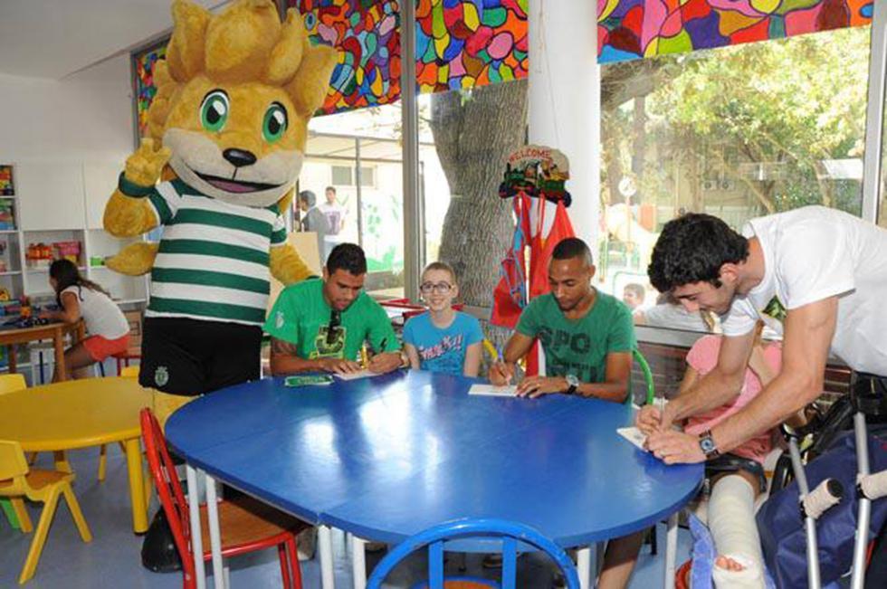 Jogadores do Sporting visitam crianças no IPO Foto: IPO